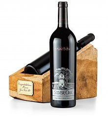 Wine Accessories & Decanters: Luxury Wine Throne